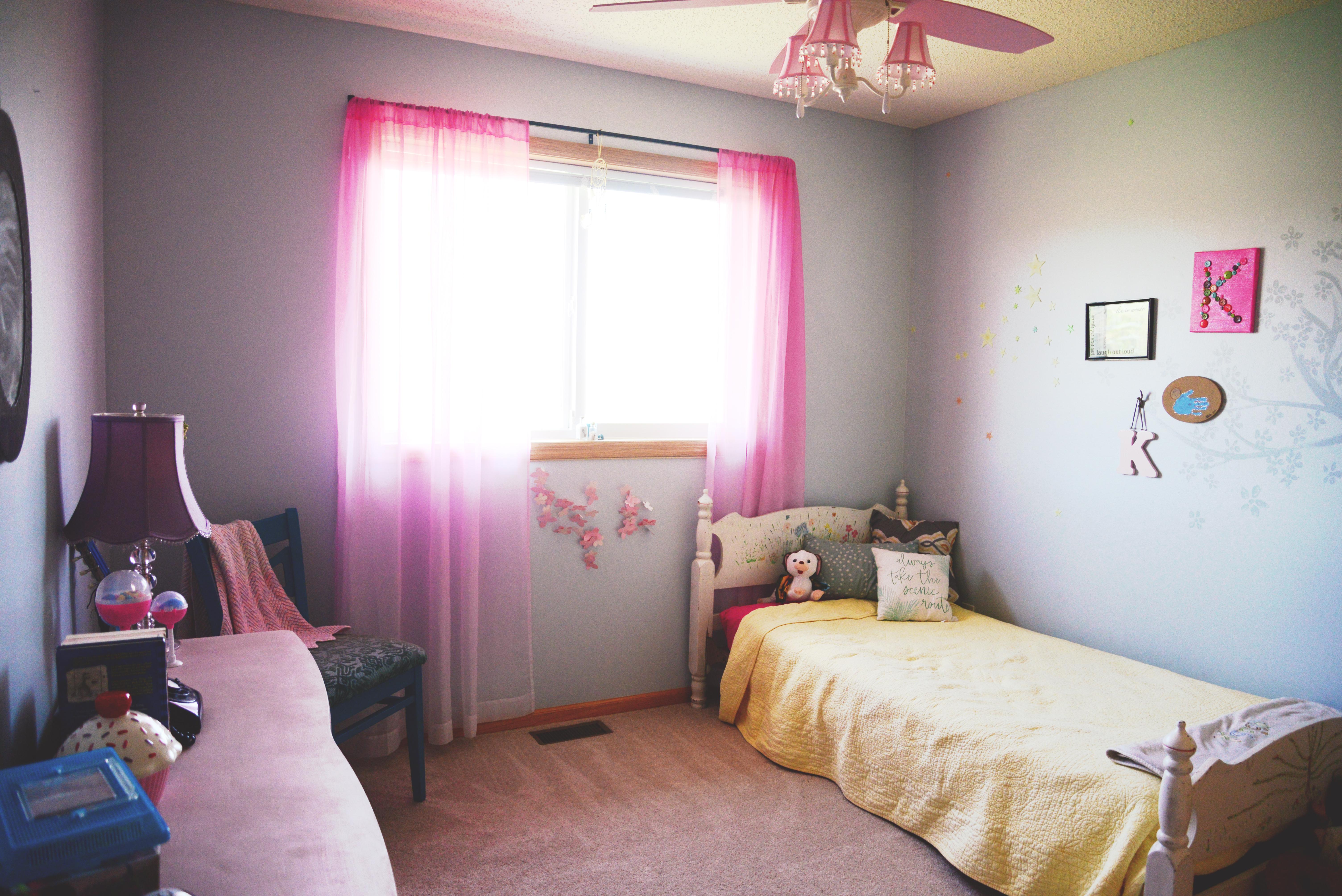DIY Small, Modern, Minimalist Kid\'s Bedroom on a Budget ...