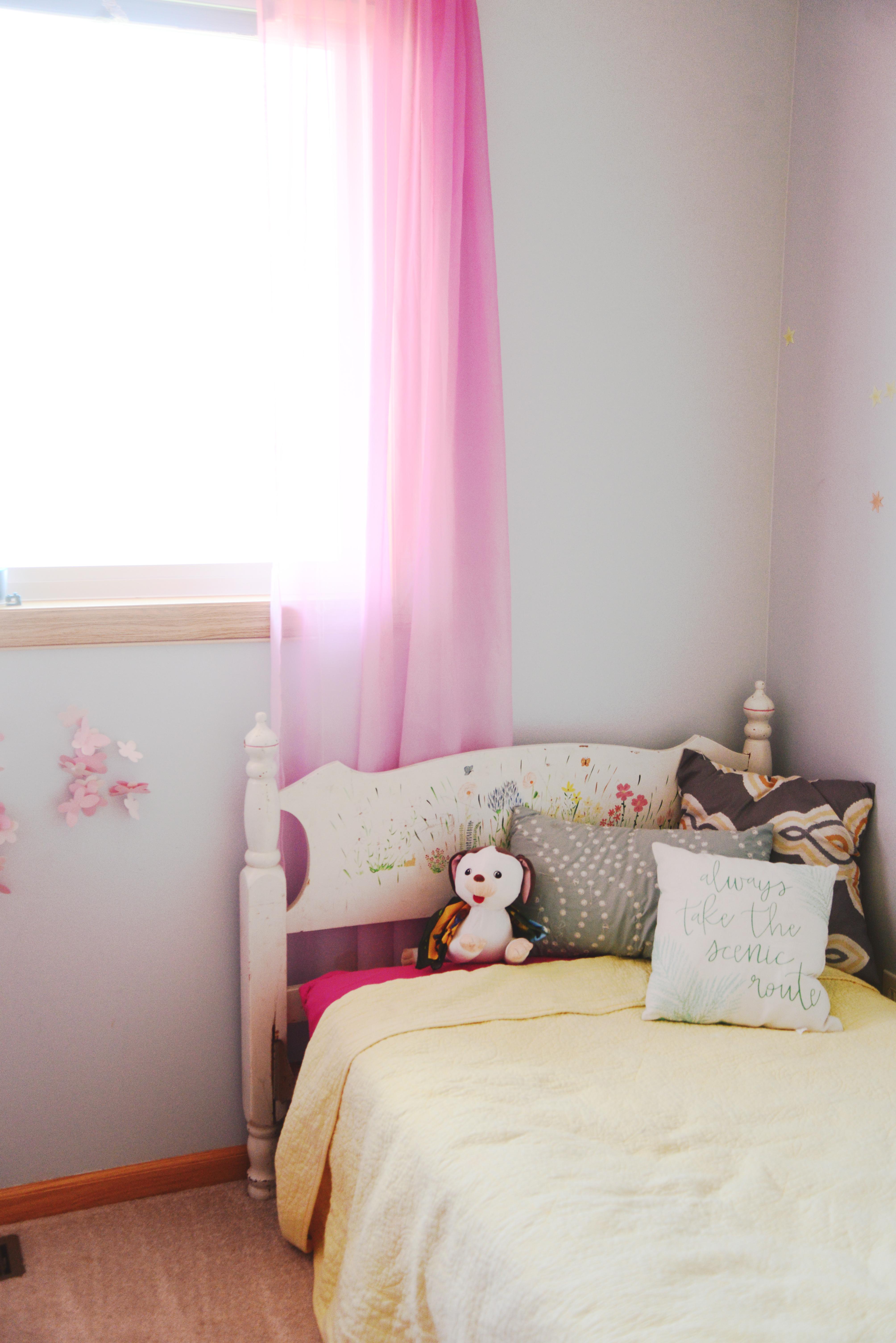 DIY Small, Modern, Minimalist Kid\'s Bedroom on a Budget - The Fun ...